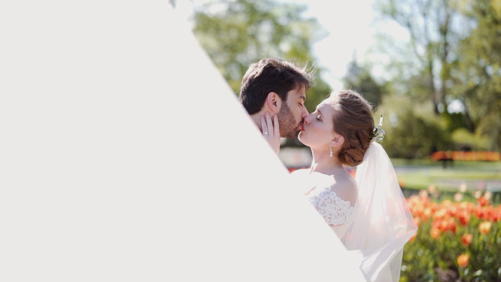 Tulip Garden Kissing - missouri botanical gardens wedding video